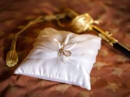 Le fedi con la spada dello sposo