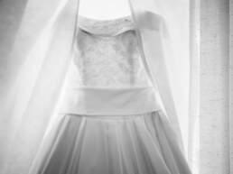Un dettaglio dell'abito da sposa