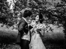 Un momento di fotografia posata con gli sposi