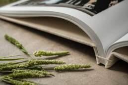 Dettaglio della piegatura delle pagine di Album di Matrimonio tipologia Fotolibro in Carta Cotone 100% Fine-Art con rilegatura giapponese